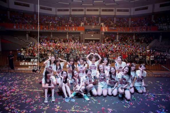 Penampilan JKT48 @Graha Cakrawala Universitas Negeri Malang